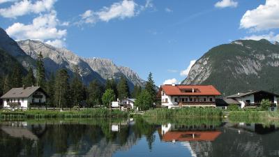 Lacul Weidachsee, Leutasch, Tirol, Austria